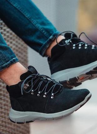 Натуральные зимние мужские ботинки на меху
