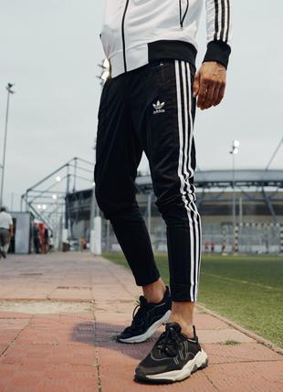 Спортивные штаны мужские укороченные Adidas Stich черные