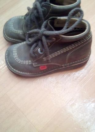 Детские ботиночки kickers кожаные р28
