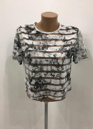 Укороченная футболка в полоску мрамор сетка