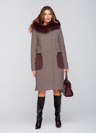 Зимнее пальто с мехом клетка вино