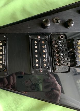 Ремонт гитар, бас-гитар, укулеле