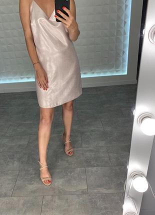 Красивое платье в бельевом стиле