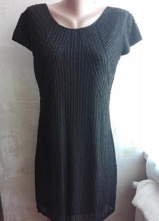 Черное вечернее платье расшито бисером, нарядное