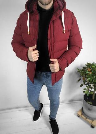 Мужская красная зимняя курточка