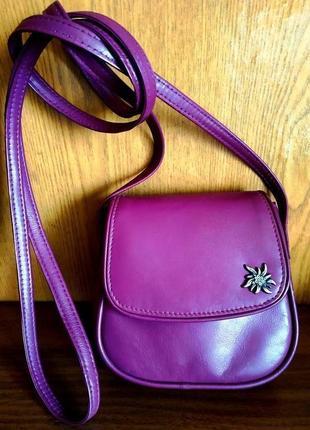 Сумочка из натур кожи на длинном ремешке, сумка цвет пурпурный