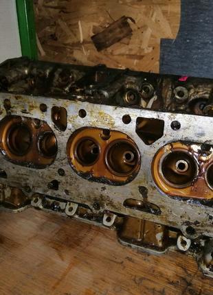 Головка блока цилиндров на ЗИЛ -130 (без клапанов)