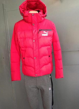 Красная мужская зимняя куртка