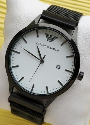 Наручные часы черного цвета с белым циферблатом, магнитная зас...