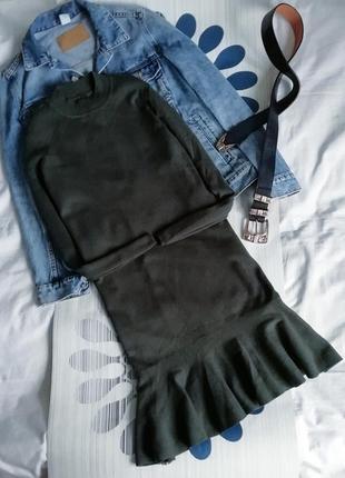 Платье гольф хаки y.a.s рубчик оборками воланом сукня водолазк...