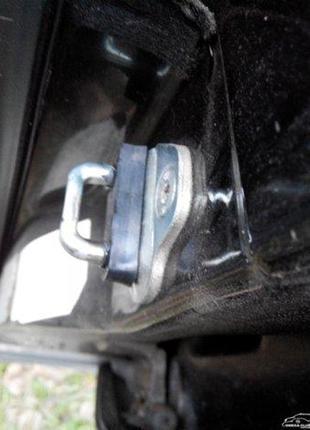 Opel Omega,Vectra A, AstraF. Резиновый упор замка на скобу двери.