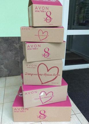 Пустые коробки из-под заказов AVON