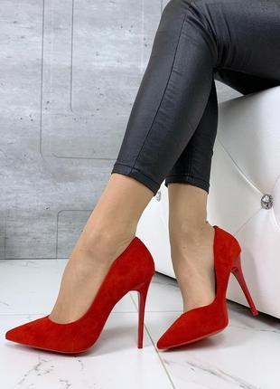 Красные замшевые туфли лодочки на шпильке,красные туфли на выс...