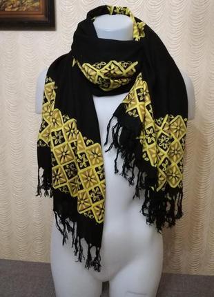 Объемный шарф палантин с бахромой 118/154