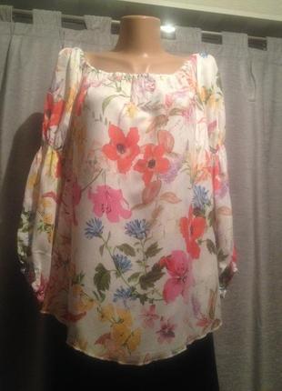 Оригинальная блузочка с цветочным принтом.092