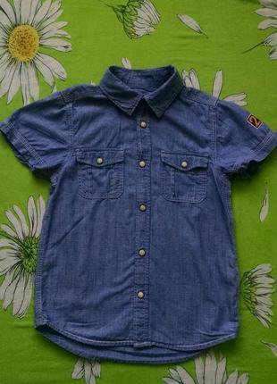 Джинсовая рубашка для мальчика 7-8 лет.