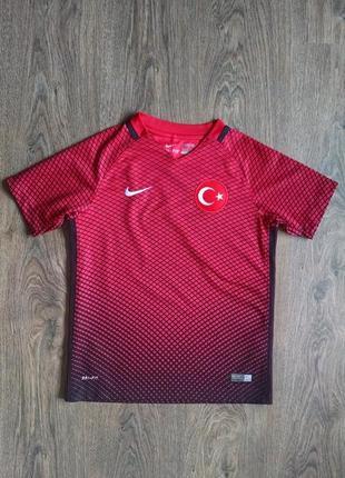 Красная футболка для мальчика 8-10 лет
