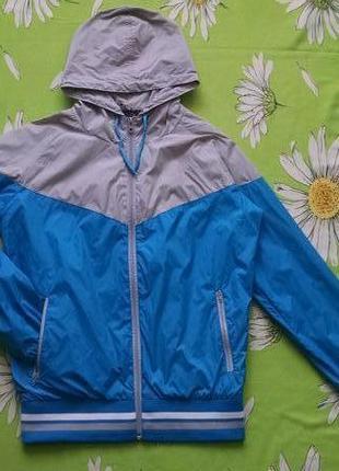 Яркая куртка ,ветровка для мальчика 14-15 лет