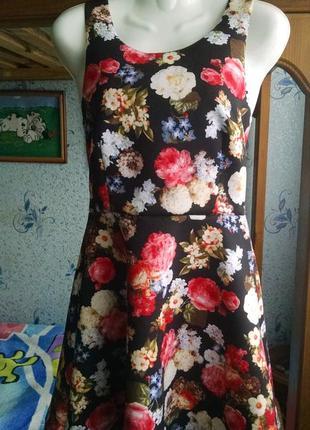 Летнее платье 44р.в цветочный принт