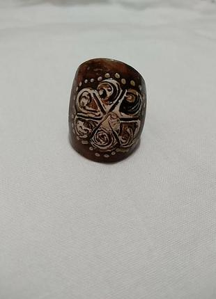 Деревянный перстень, кольцо