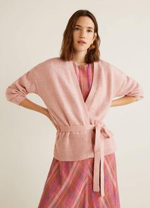 Красивая кофта mango oversize размер смл цвет нежно-розовый ме...