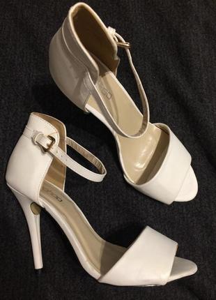 Boohoo camila сандали босоножки 23.5-24 см
