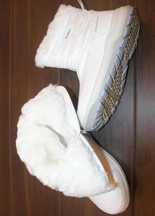 Женские зимние белые сапоги дутики