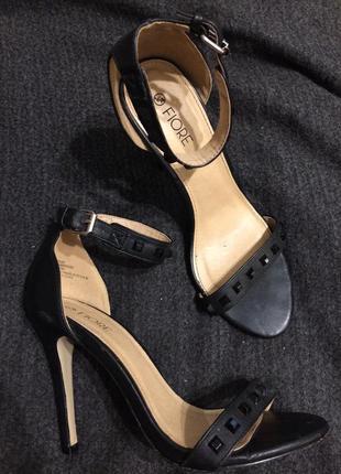 Fiore сандали босоножки 24-24.5 см