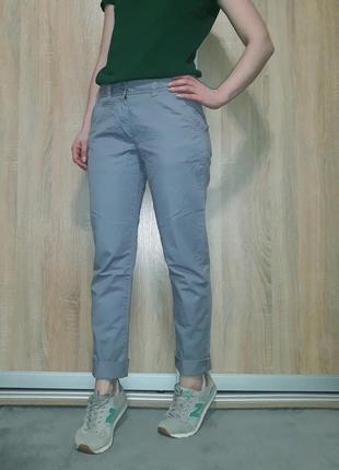 Классные хлопковые брюки-чиносы-карго ровного кроя серого цвет...