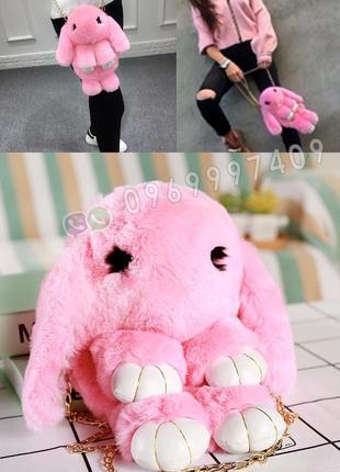 Сумка рюкзак кролик меховой розовый. из искусственного меха ка...