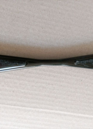 Кріплення акумулятора (планка) Форд Фієста США оригінал