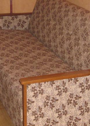 Диван раскладной , 2 кресла ,2 стула.