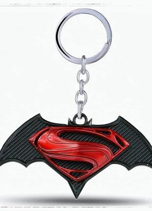 Брелок для ключей Бэтмен против Супермена