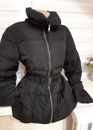 Пуховик, стильний чорний з поясом