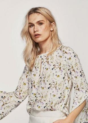 Блуза в цвеочный принт