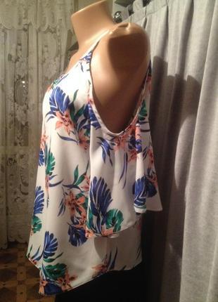 Оригинальная блузочка с открытыми плечиками.018