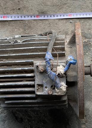 Продам электродвигатель 1,5/1000 об.мин