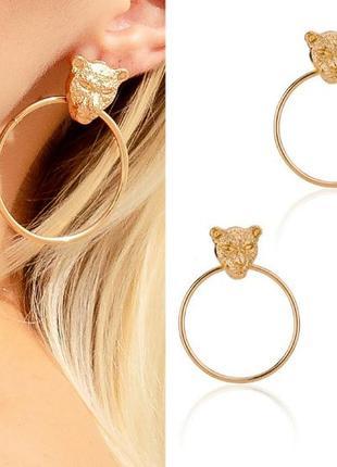 Стильные серьги кольца золотистого цвета голова тигра