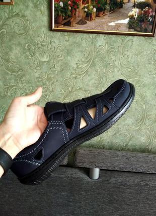 Мужские новые сандалии. прошиты.