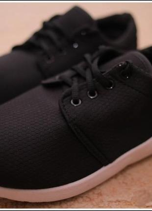 Лёгкие комфортные кроссовки. 37-41р. новые.