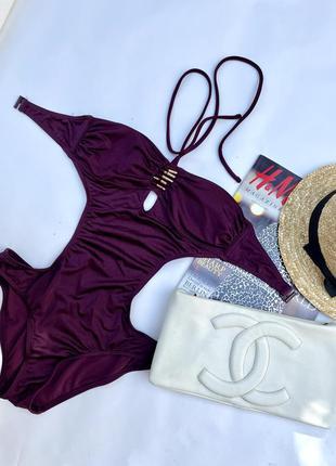 Красивый бургундовый купальник марсала фиолетовый