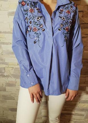 Рубашка с вышивкой bershka