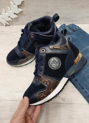Женские зимние синие кроссовки