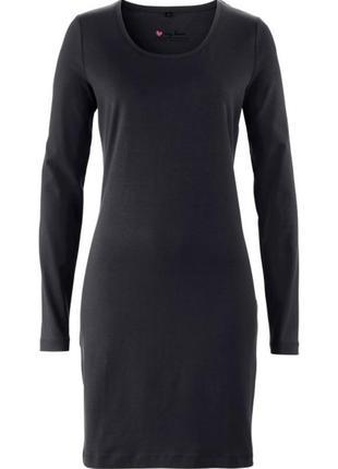 Платье черное с длинным рукавом