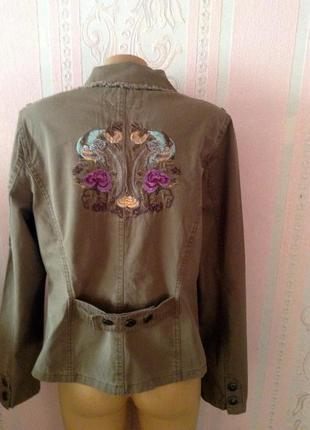 Классная куртка пиджак l ка