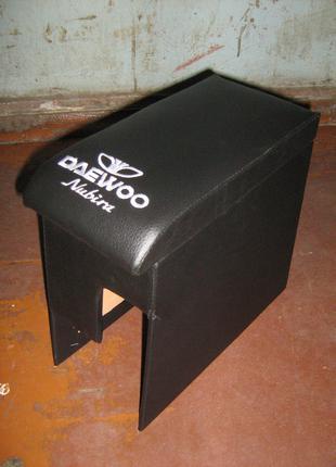 Тюнинг Подлокотник Деу Нубира (Daewoo Nubira) черный