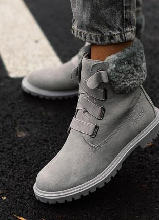 Шикарные зимние ботинки ugg boot в сером цвете с меховой опушк...