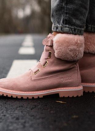 Зимние ботинки ugg boot с меховом опушкой розового цвета/осень...
