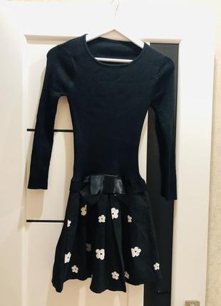 Романтичное платье с пышной юбочкой в цветочки