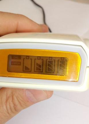 Зарядное устройство для аккумуляторов:UFO KN-U19